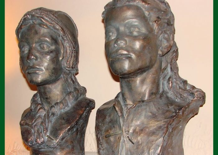 Скульптурные портреты девочки и мальчика со стоянки Сунгирь. Реконструкция Г.В. Лебединской и Т.С. Сурниной. Гипс, отливка, тонировка